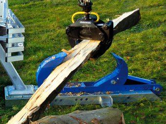Dispozitiv pentru crăpat lemn