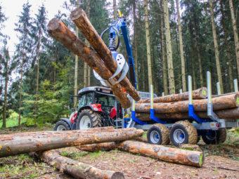 Remorcile forestiere Binderberger – o soluție eficientă în operațiunile de apropiat la drum auto